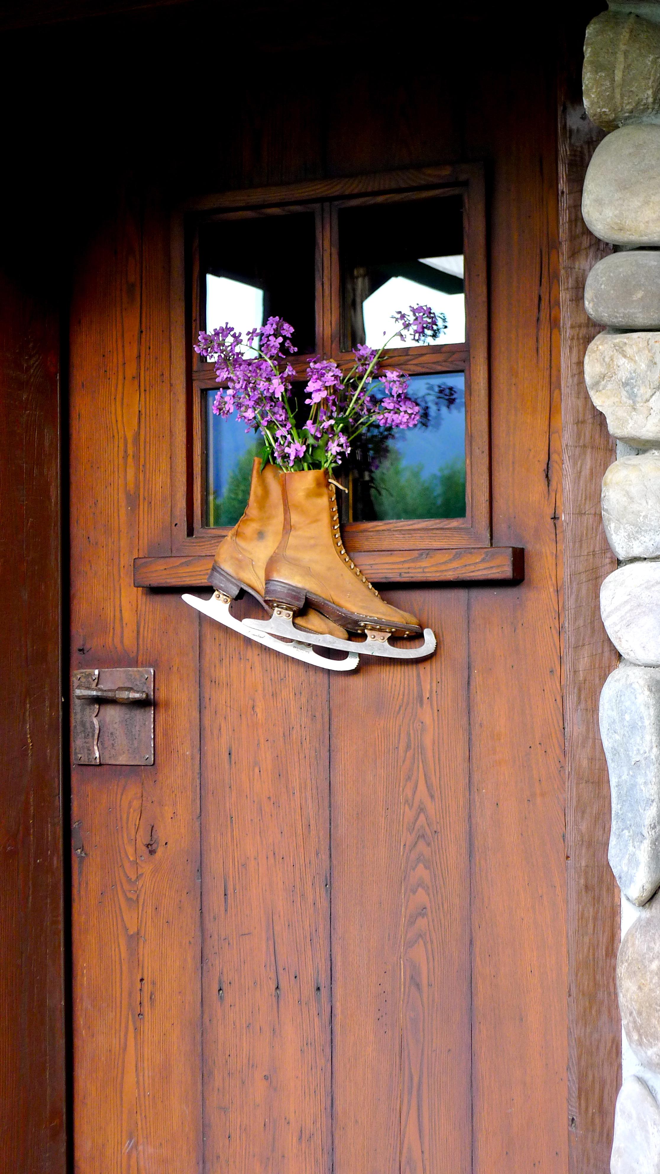 door with skates, Slim Paley