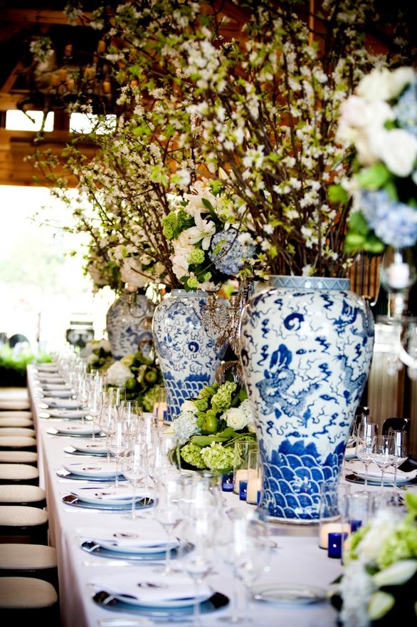 blue & white table setting