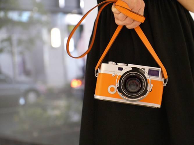 orange Leica