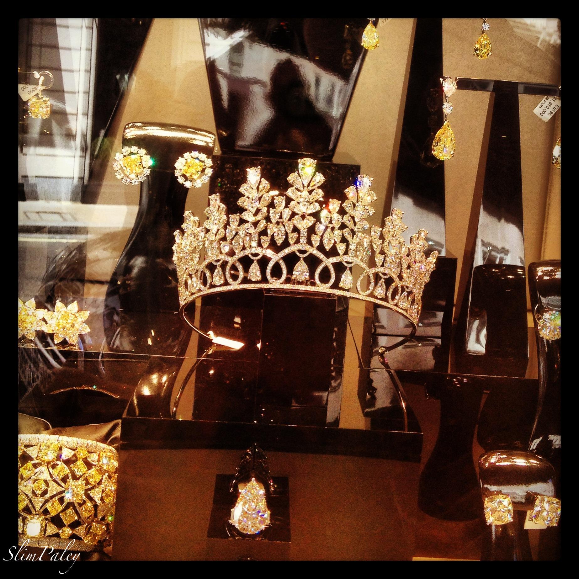 Crown shopping
