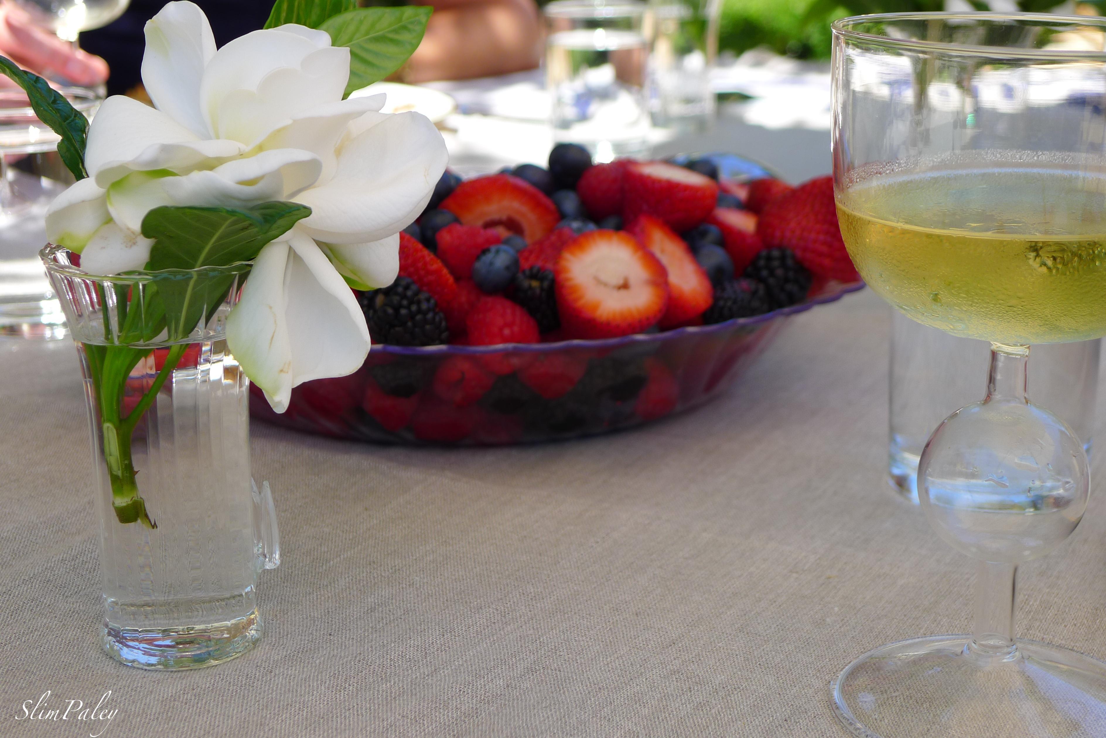 gardenias & berries