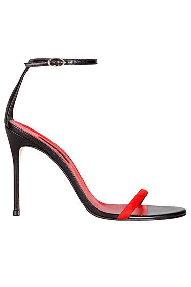 hbz-october-2013-the-bazaar-lets-get-loud-ch-carolina-herrera-sandal-de-md
