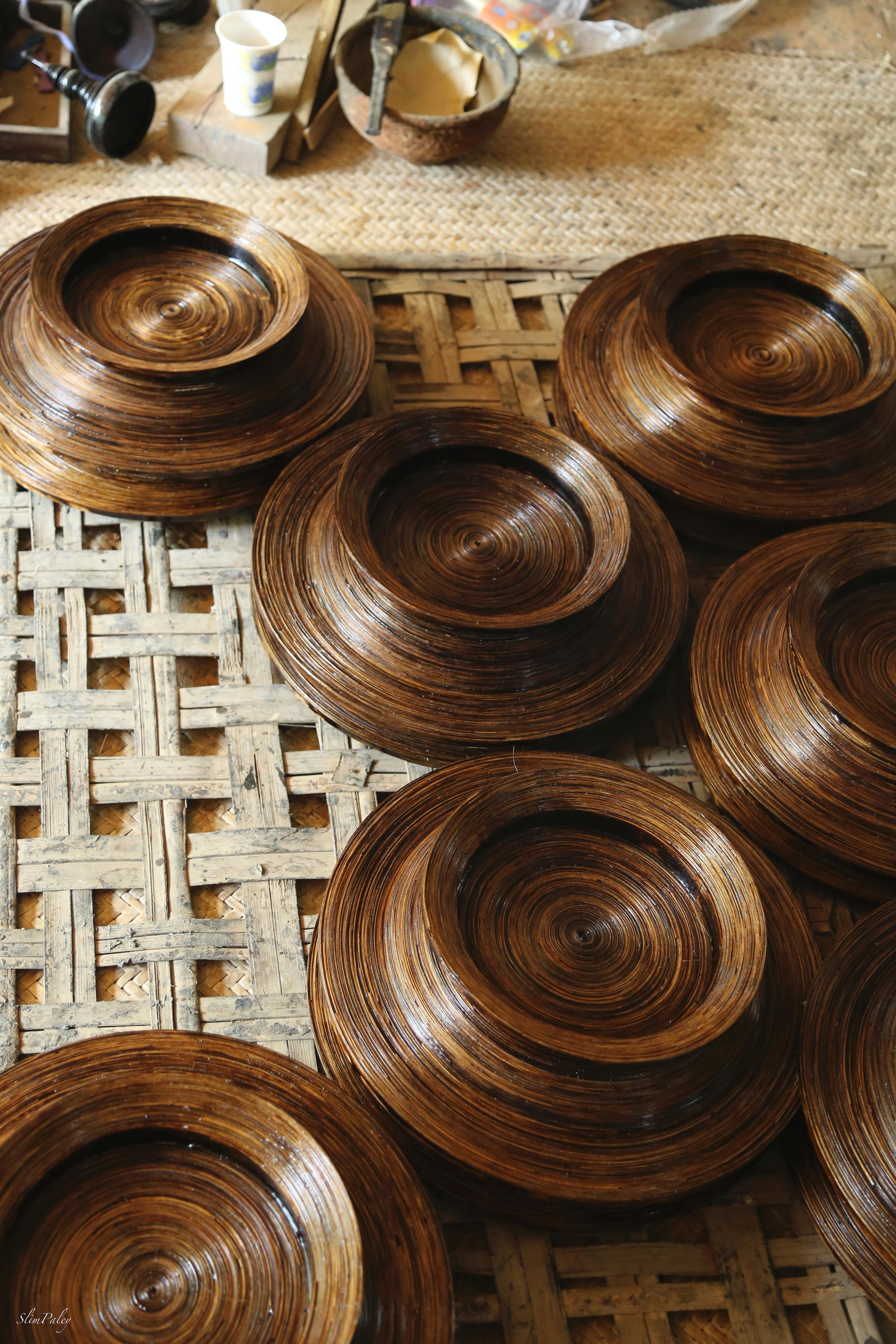bamboo being made into lacquer bowls slimpaley.com