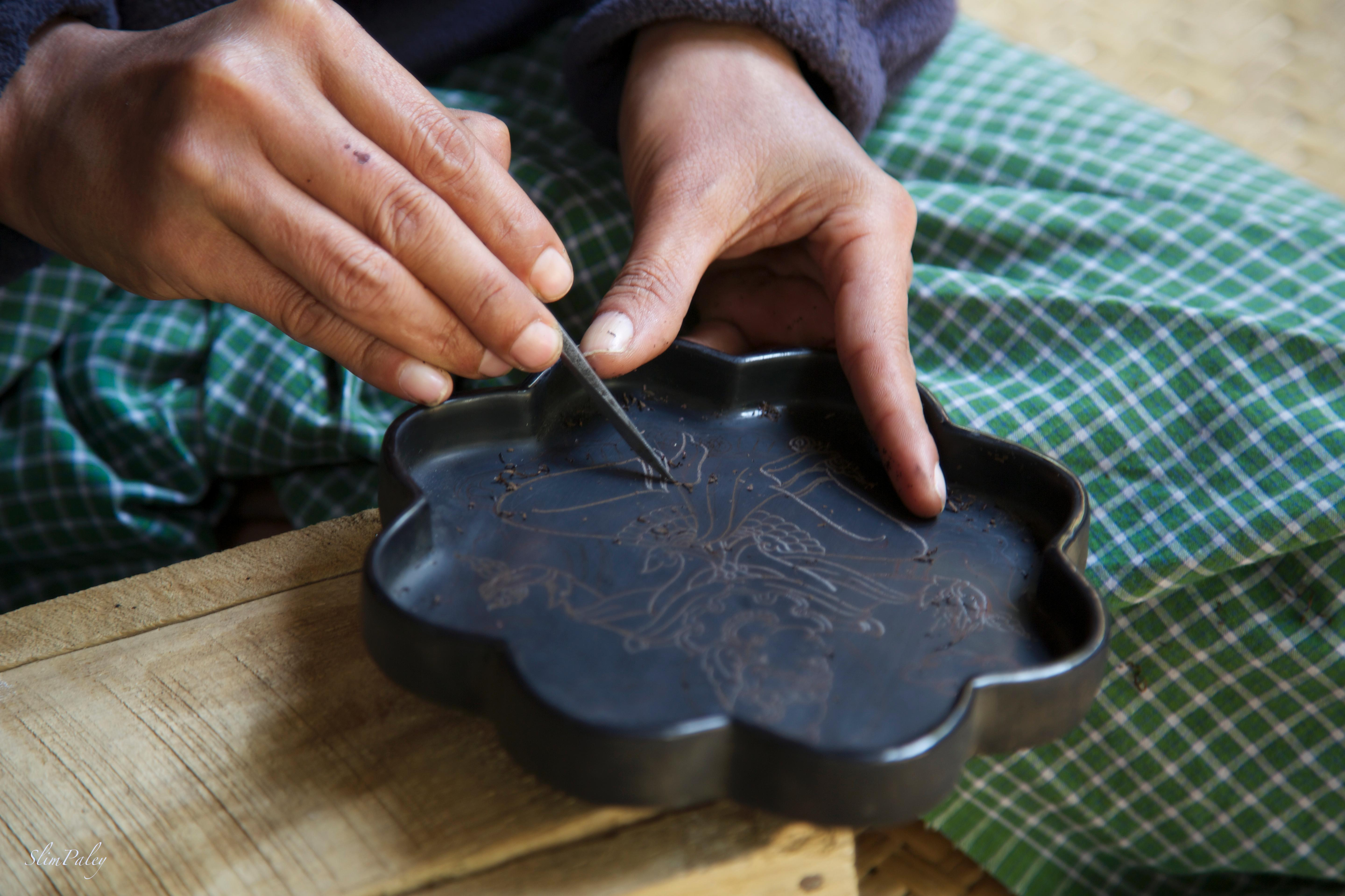 hands carving lacquer , slimpaley.com