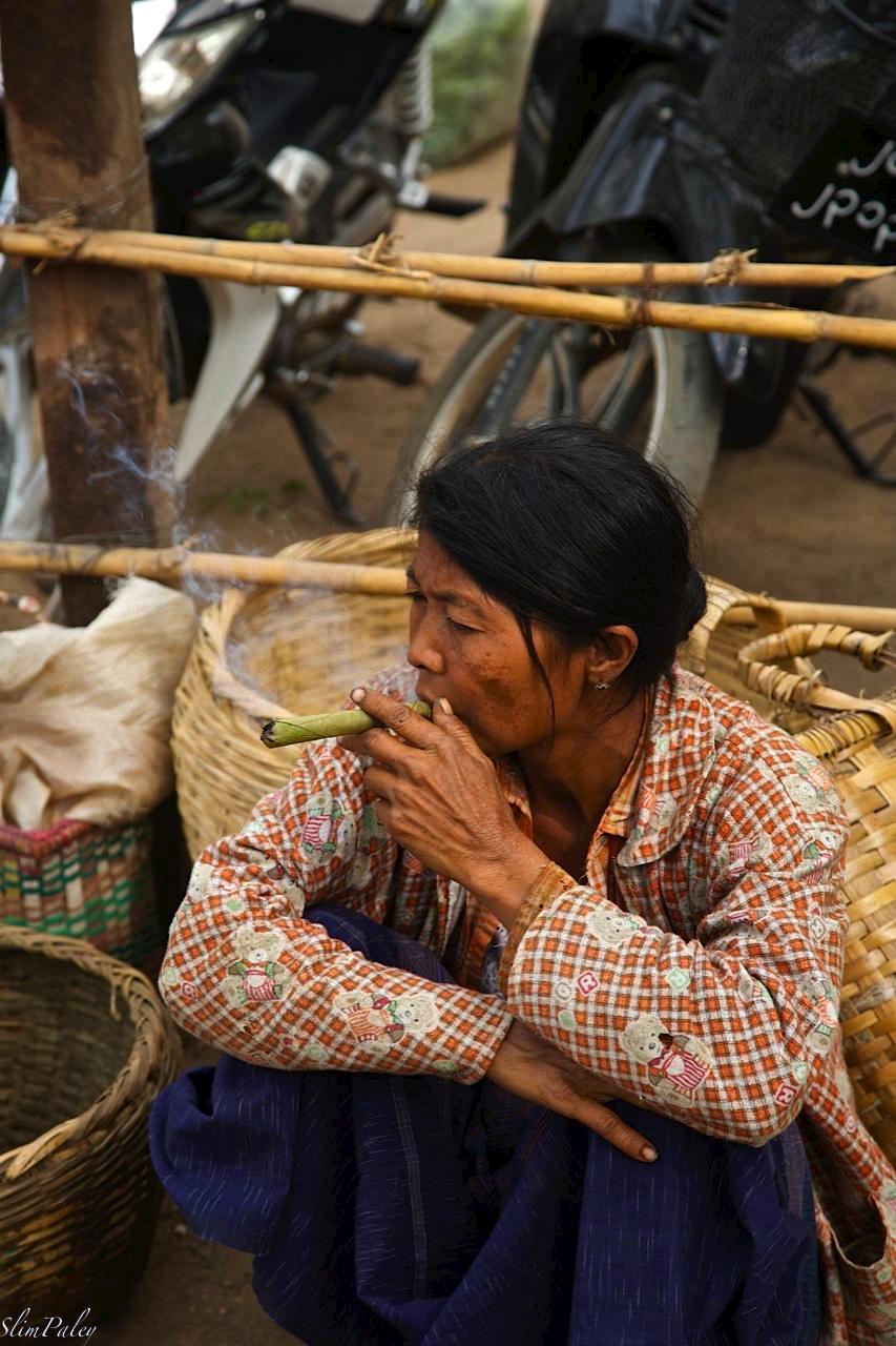 Woman smoking, Burma, slimpaley.com