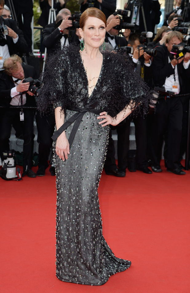 showbiz-cannes-2015-opening-night-julianne-moore